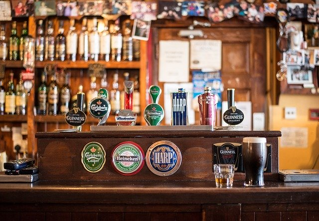 tireuse à bière dans un bar